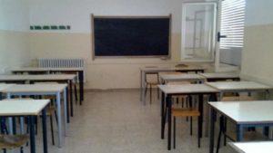 Rischia di soffocare in classe: bambina di 7 anni salvata dalla maestra
